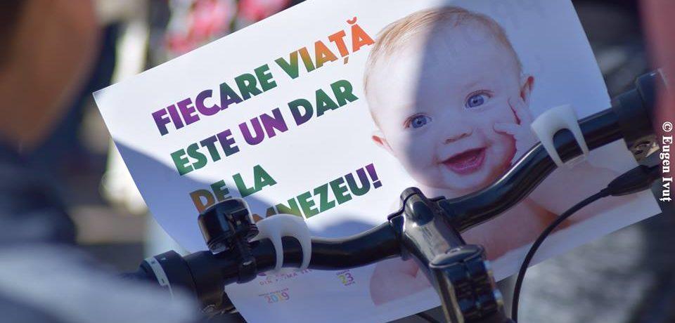 """Marșul pentru viață din Oradea """"Unic din prima secundă"""""""