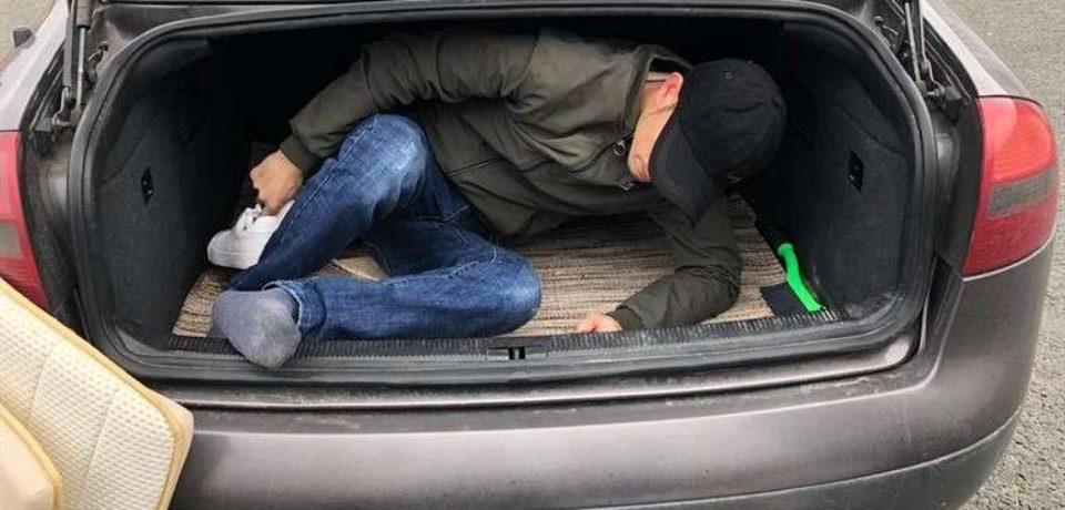 Un cetăţean din Kosovo, depistat la Borș cu paşaportul altei persoane
