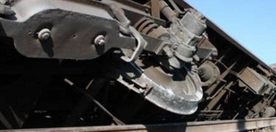 Traficul feroviar se desfăşoară cu dificultate pe magistrala 300 ce leagă gara București Nord de gara Oradea