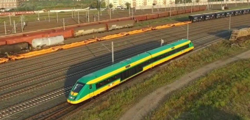 Se renunţă la rutele feroviare neprofitabile şi se forţează vara cu trenuri spre litoral