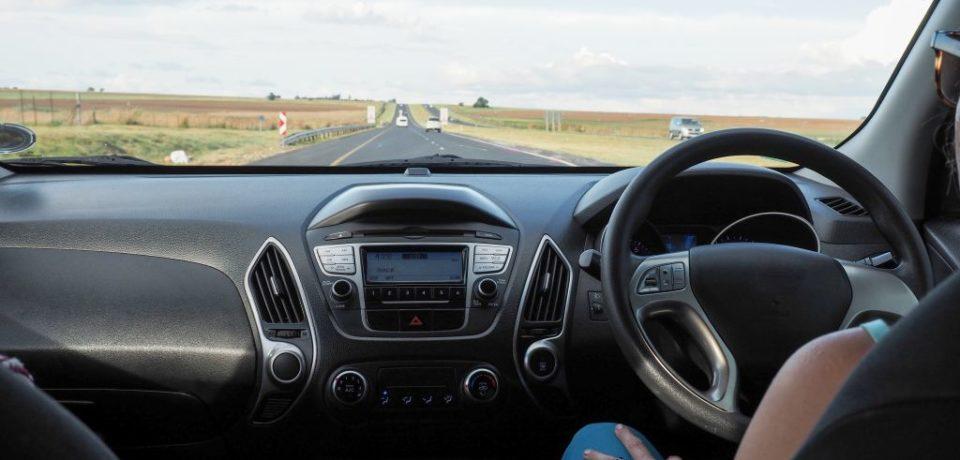 Atenționare de la RAR: mașinile aduse din Marea Britanie vor trebui omologate, pentru a putea fi înmatriculate