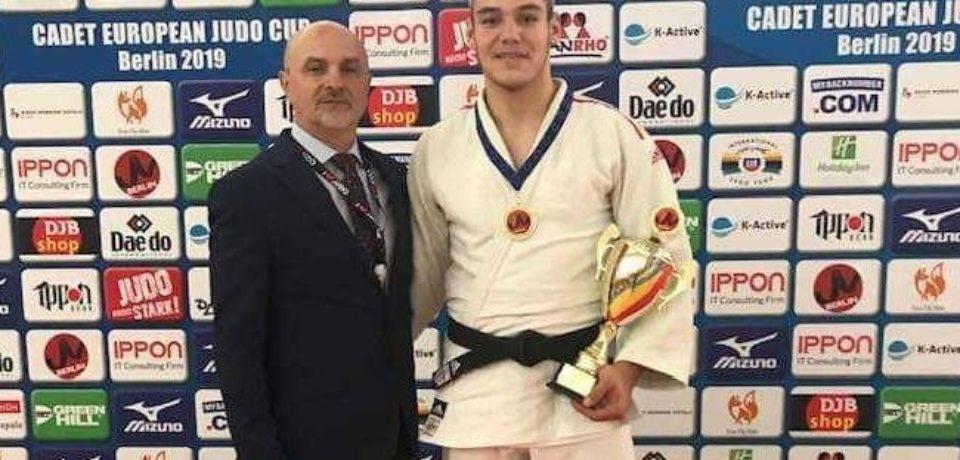 Alex George Creț, locul 1 la etapa de Cupa Europeană de judo pentru cadeți de la Berlin