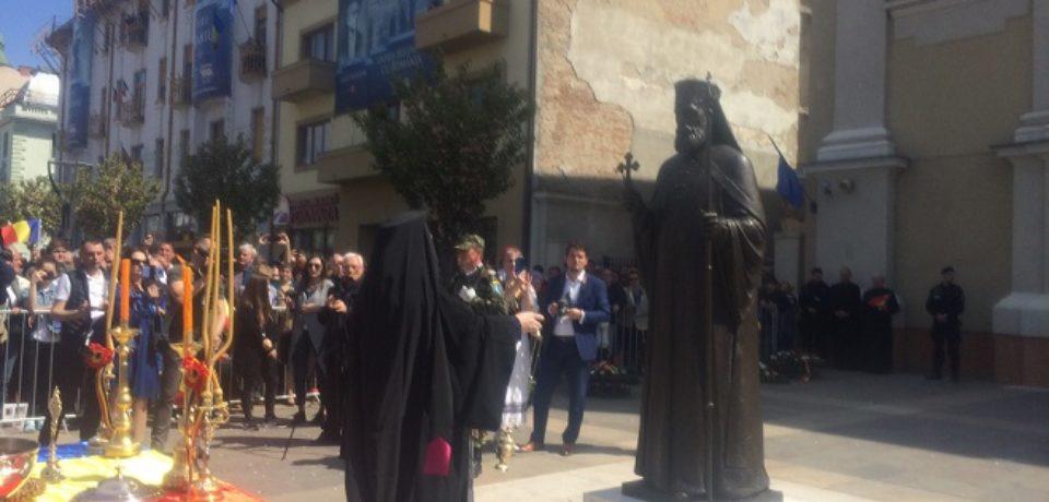 Statuile episcopilor care au avut un rol important in istoria Oradiei, dezvelite si sfintite