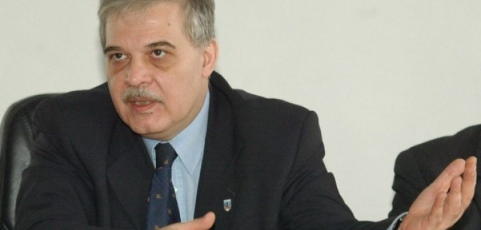 """Universitarul Alexandru Athanasiu propune orădenilor o """"Călătorie în centrul inimii"""""""