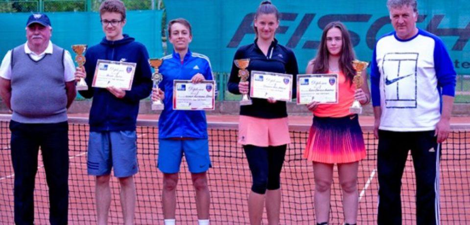 """""""Cupa CSM Oradea"""" şi-a desemnat câştigătorii la tenis de câmp"""