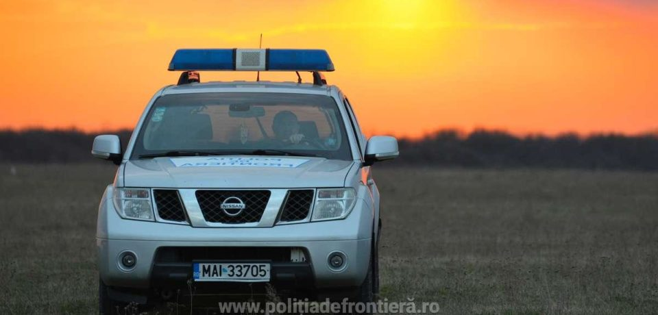 Cetăţean român fără permis de conducere, depistat la volanul unui autoturism