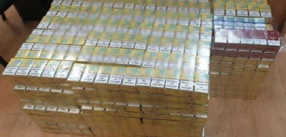 Mii de pachete de ţigări de contrabandă, confiscate de la un orădean