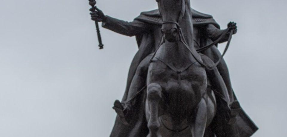 În Piața Unirii a fost dezvelită statuia ecvestră a Regelui Ferdinand