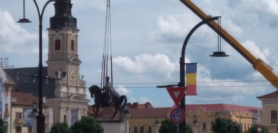 Soclul ramas gol din Piata Unirii va gazdui o alta statuie
