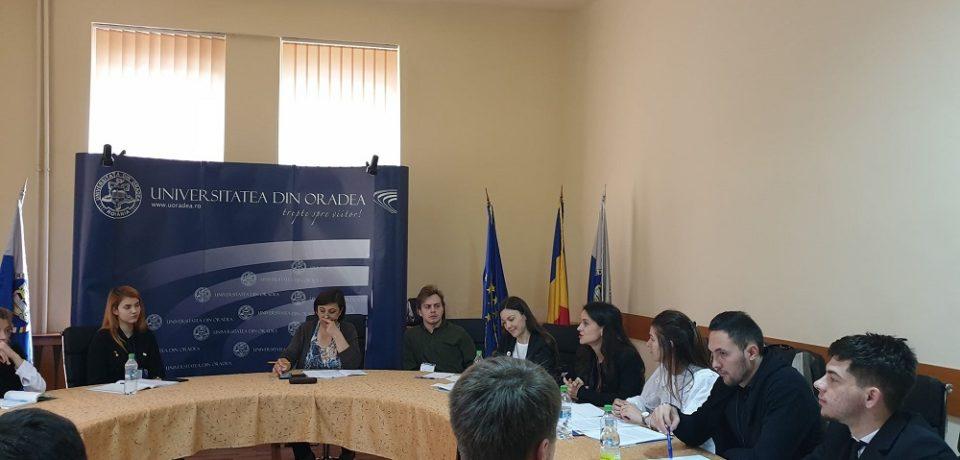 Simularea Schengen a studenților orădeni și ieșeni, sesiune interactivă în cadrul Universității din Oradea