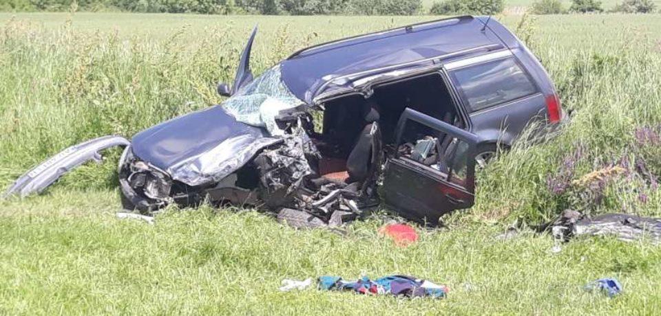 Accident grav cu cinci răniţi pe DJ 709, care leagă județele Arad de Bihor