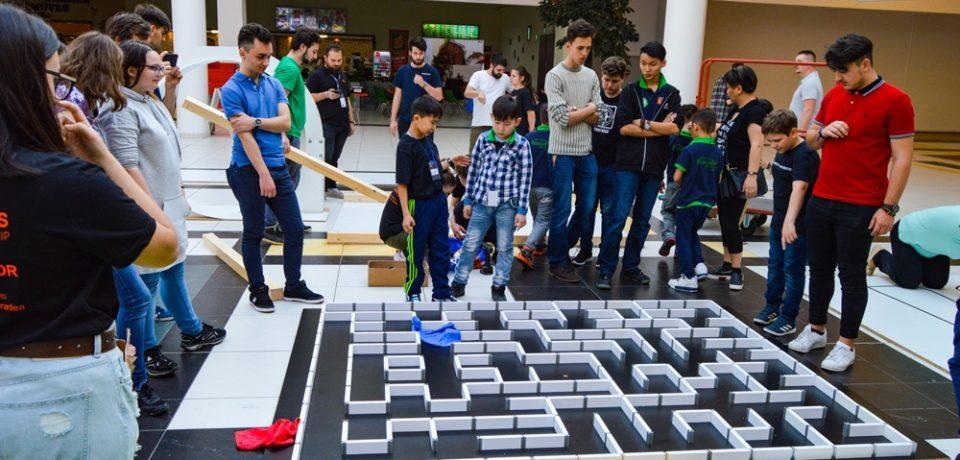 """Oradea găzduiește o nouă ediție a Concursului Internațional """"Robotics Championship"""""""