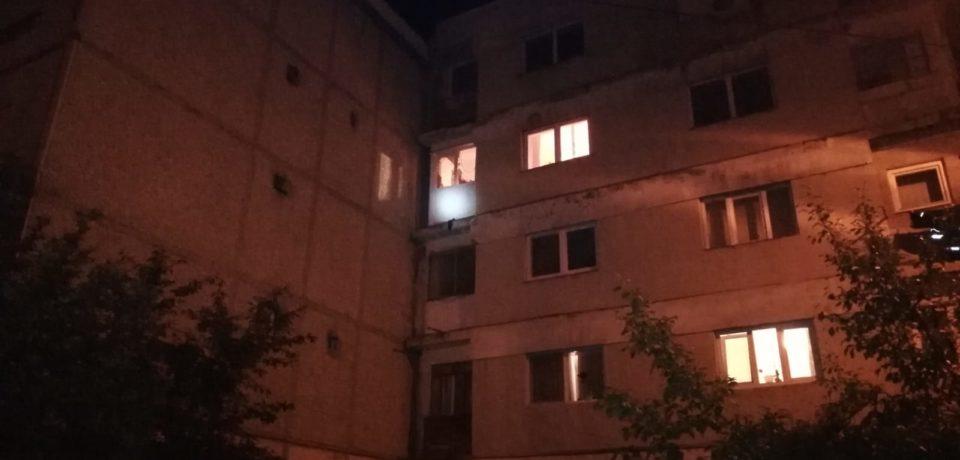 Explozie intr-o garsoniera din Marghita in care locuiau 3 adulti si un copil. Comunicat ISU Crisana
