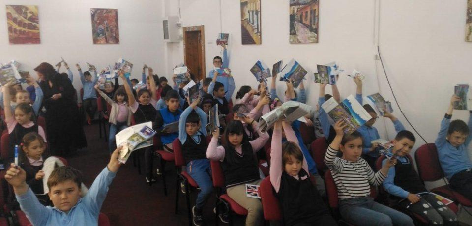 """Elevii Liceului Ortodox """"Episcop Roman Ciorogariu"""" au celebrat Ziua Europei"""
