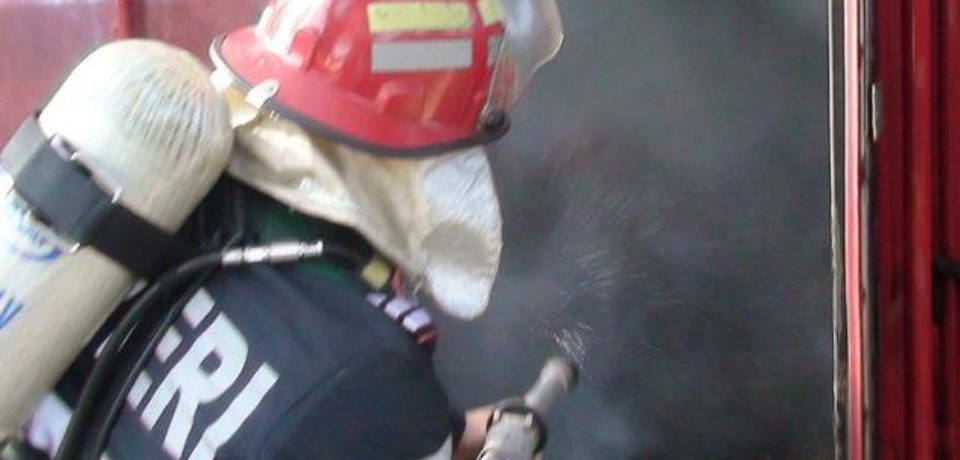 Un bărbat a murit carbonizat în urma unui incendiu în Paleu. Comunicat