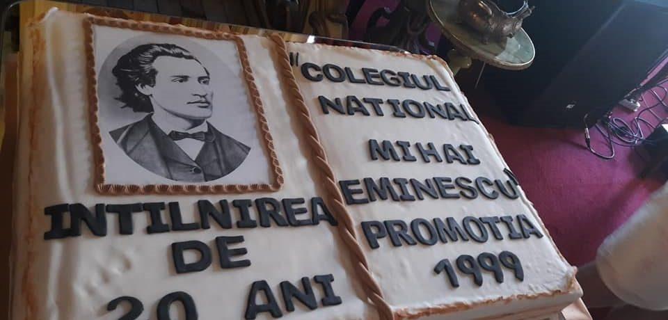 """Anii de liceu sunt cei mai frumosi! Revedere dupa 20 de ani, la Colegiul National """"Mihai Eminescu"""""""
