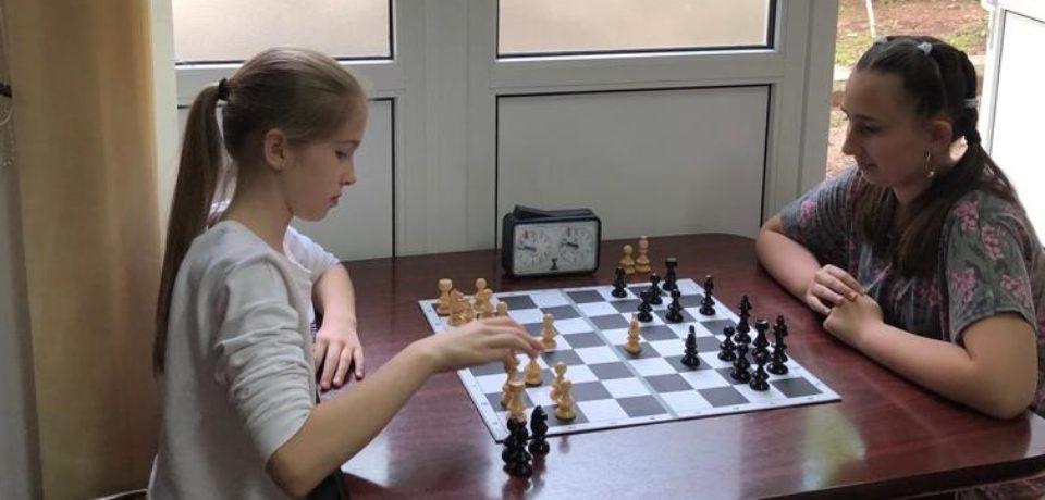 """A II-a ediţie a concursului de şah pentru copiii din cadrul taberei """"Ceata lui Piţigoi"""""""