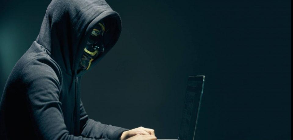 """Avertisment, după atacurile cibernetice: Nu deschideţi """"ofertele irezistibile"""" de pe email, WhatsApp sau Facebook"""