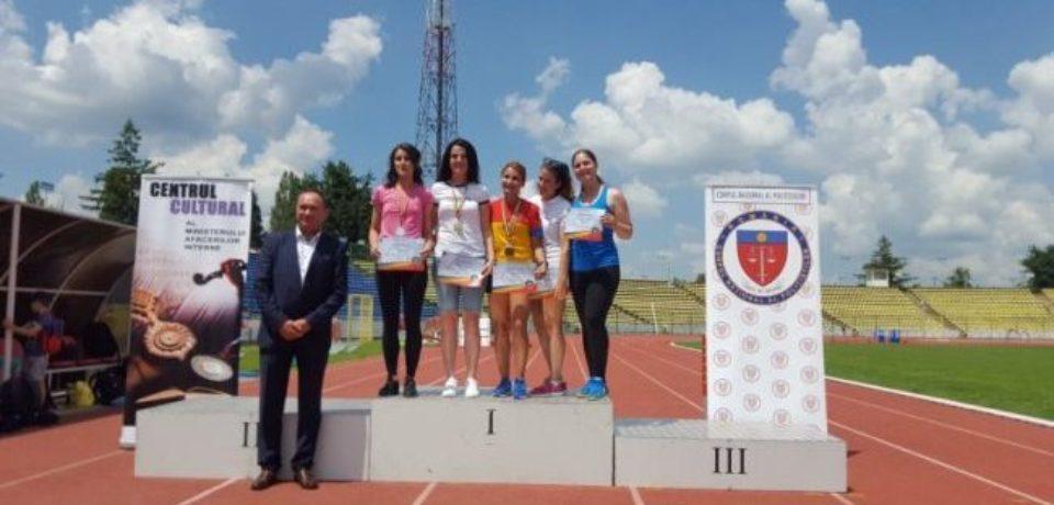 O tânără polițistă din Bihor e campioană națională la atletism