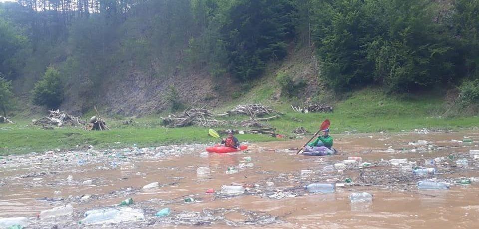 A demarat proiectul privind stoparea poluării Crișului Repede în zonele turistice