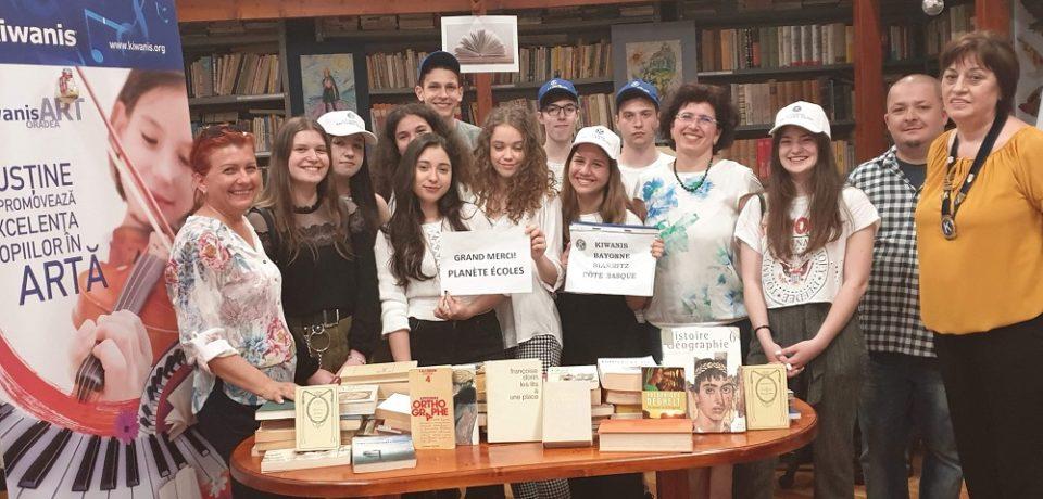 """Proiectul """"Carti pentru Scoli"""" al Kiwanis Romania a ajuns in Bihor"""