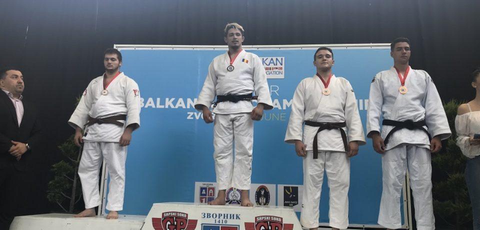 Doi sportivi din Oradea, pe podium la Campionatul Balcanic de Juniori la judo
