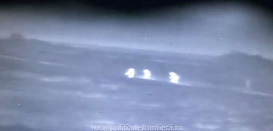 Trei cetăţeni străini, descoperiți cu autospeciala cu termoviziune la Borș