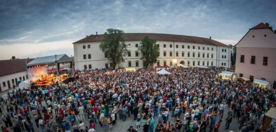 """Debut oficial pentru Festivalul """"Zilele Sfântului Ladislau"""""""