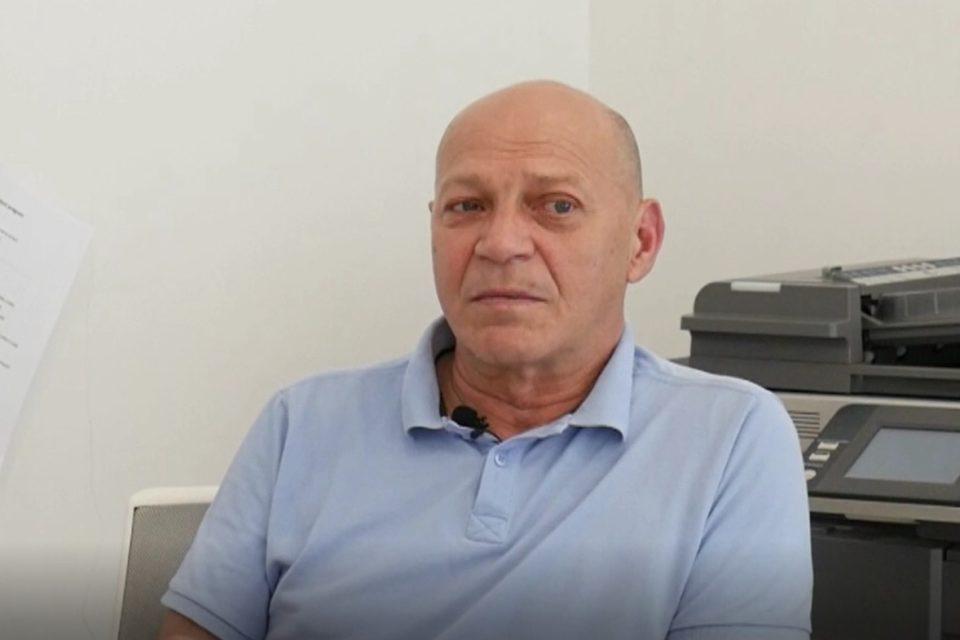 Un renumit medic din România operează cu laser, în Debrecen, metastaze pulmonare în stadiile IV ale neoplasmelor. VIDEO