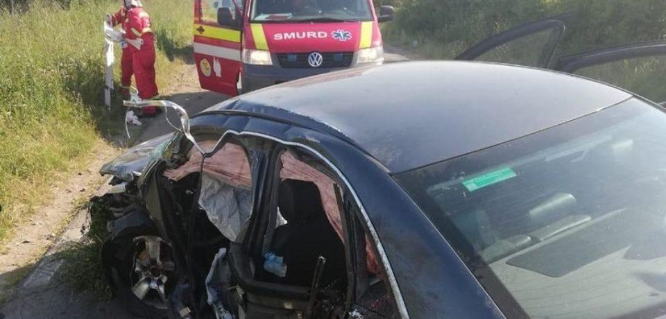 Grad accident în judeţul Arad. Un copil de 9 ani a decedat