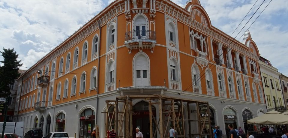 Lucrările de reabilitare a fațadei Casei Venețiene, aproape de finalizare