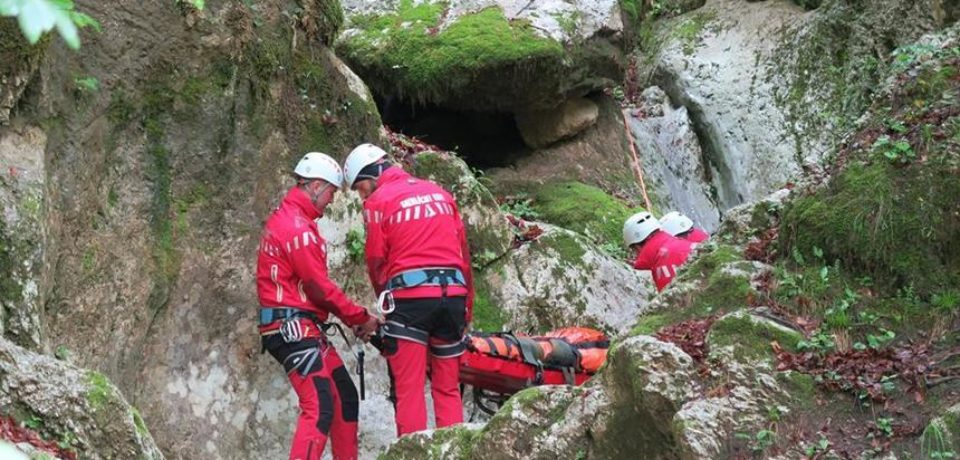 Intervenţie a salvamontiştilor din Bihor pentru recuperarea a doi turişti din Ungaria