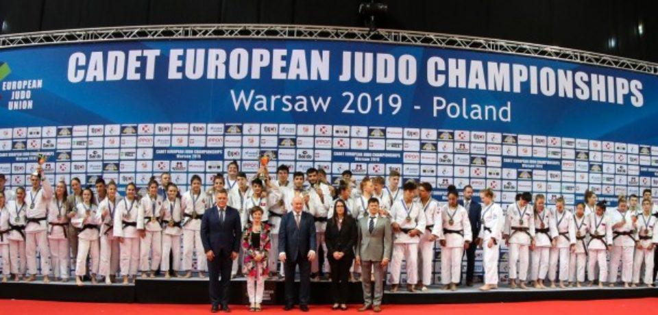 Trei judoka orădeni au ajutat România să cucerească argintul la Europeanul de cadeți