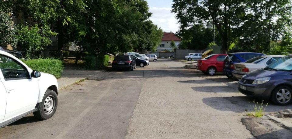 Se amenajează locuri de parcare în zona străzii Oneștilor