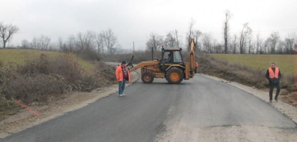 S-a semnat contractulde reabilitare DN76, porțiunea cuprinsă între Bitii și Dușești. Comunicat