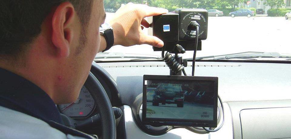 112 sancțiuni aplicate pentru depăşirea limitelor legale de viteză, în ultimele 24 de ore, în Bihor