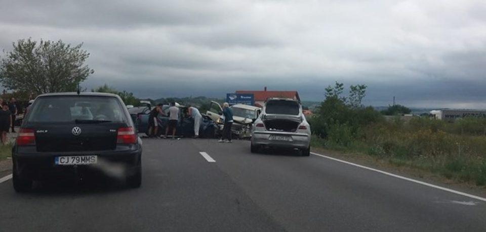 Grav accident la Tileagd. DN 1 a fost blocat