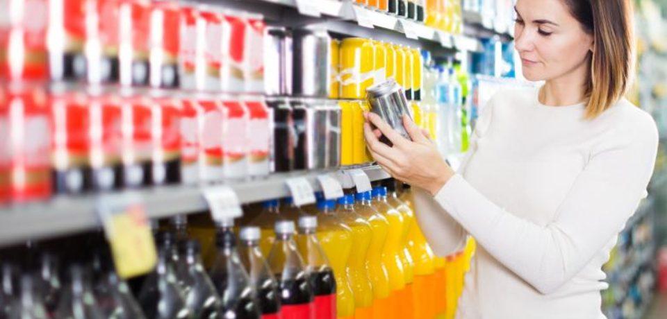 Băuturile răcoritoare care conțin zahăr ar urma să fie taxate suplimentar din septembrie