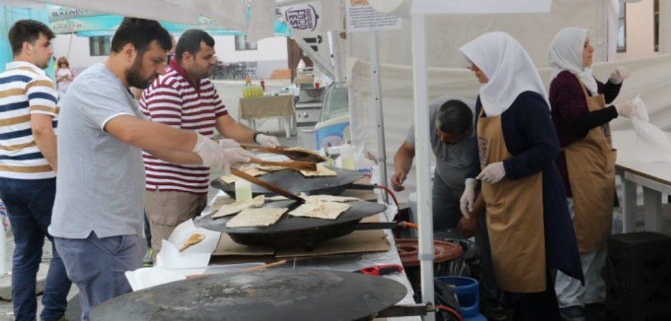 """Gastronomie şi tradiţii, la """"Anatolian Food Festival"""" din Cetatea Oradea"""