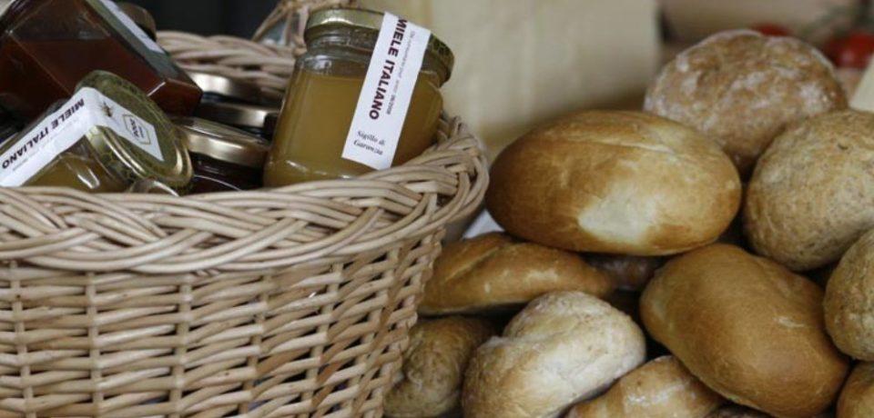 Toamna ar putea aduce scumpiri la pâine și la produse de bază, după creșterea tarifelor la gaze și electricitate